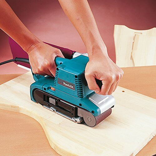Using the makita 9903 sander to sand