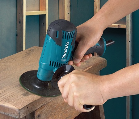 Working with Makita GV5010 5 Inch Disc Sander
